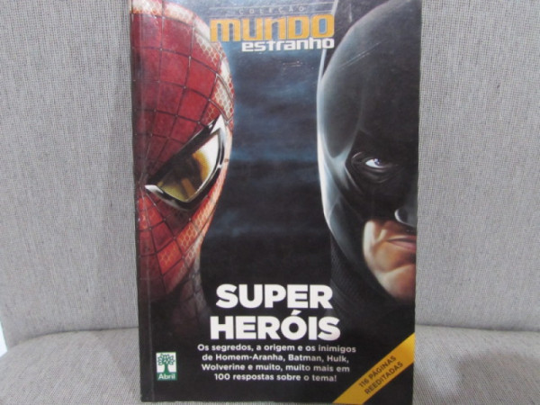 Capa de Super Heróis - Patrícia Hargreaves