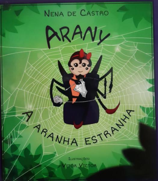 Capa de Arany - Nena de Castro